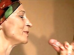 Skinny Retro Cougar Pleases Youthfull Plower With Cock-squeezing Classical Blowage