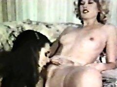 Girl-on-girl Peepshow Loops 585 70s And 80s - Scene 1